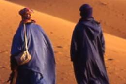 Marche dans le désert du sud marocain