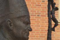Partir dans les pas de Jean Paul II, mais avant tout à la rencontre d'un peuple chrétien